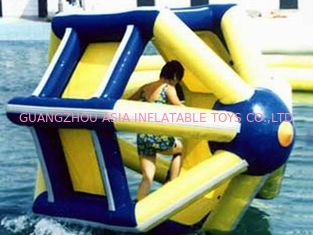 Trung Quốc PVC tarpaulin Inflatable Water Roller , Inflatable Water Park Amusement Equipment nhà máy sản xuất