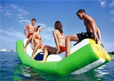 Trung Quốc Green And White Single Water Totter Inflatable Water Sports For 4 People nhà máy sản xuất
